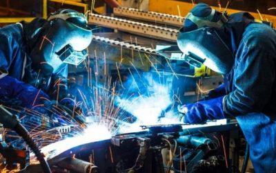 La actividad económica cayó un 4,8% interanual en febrero