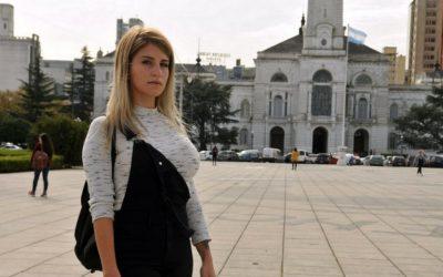 Una ex empleada de la municipalidad de La Plata denunció que la despidieron por hacer videos con contenido sexual